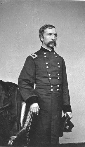 joshua l chamberlain Joshua l chamberlain was one of the union army's great heroes at the battle of  gettysburg in pennsylvania in july 1863 his brave defense of the union's.