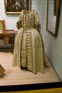 17th Century Gown