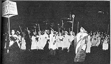 Suffrage Parade Night NY 1912 photo.JPG (22794 bytes)
